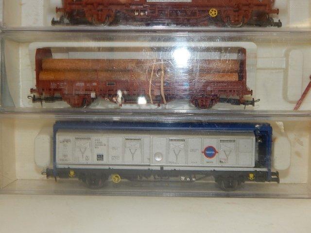 10 ELEC TRO TREN, HO SCALE TRAIN CARS - 4