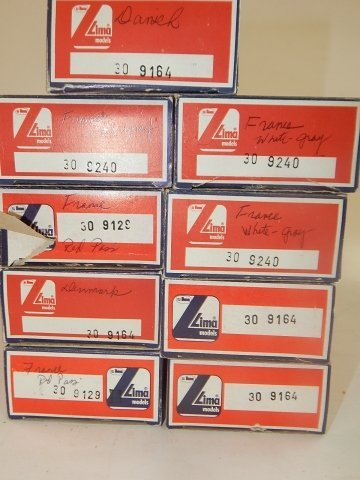 9 LIMA HO SCALE TRAIN CARS - 4