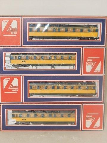 FOUR LIMA HO SCALE TRAIN CARS