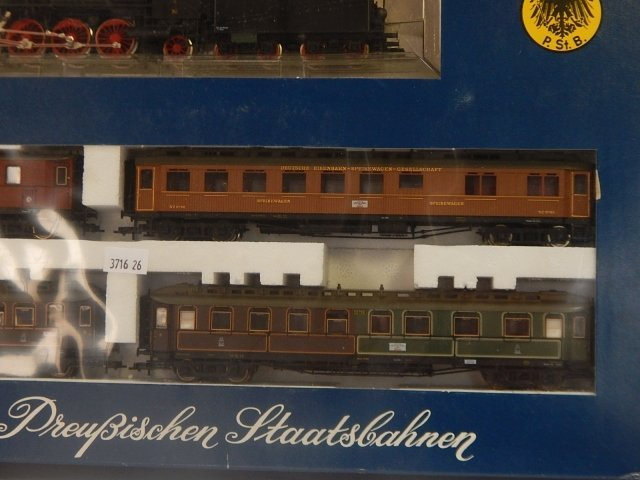 FLEISCHMANN HO SCALE TRAIN SET - 2