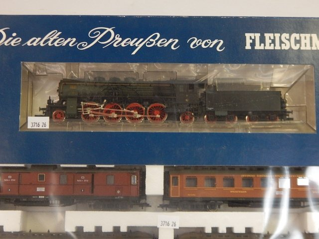 FLEISCHMANN HO SCALE TRAIN SET - 3