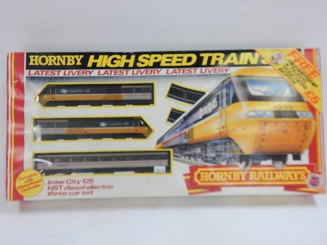 HORNBY HO SCALE HIGH SPEED TRAIN SET