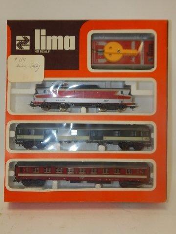 LIMA HO SCALE TRAIN CARS