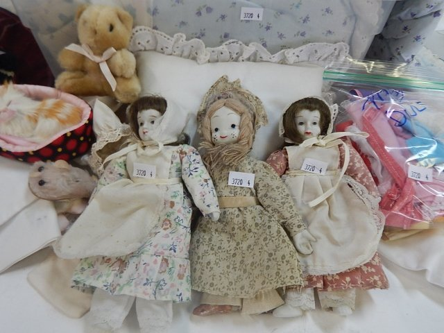 LARGE LOT OF DOLL ACCESSORIES - 4
