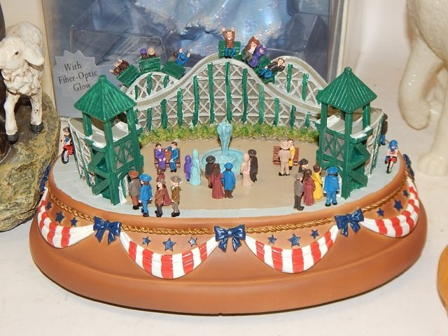LOT OF HOLIDAY DECORATIONS AND FIGURES - 7