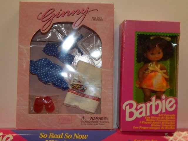 6 PIECES BARBIES AND ACCESSORIES - 2