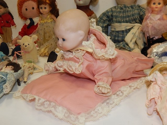 LARGE LOT OF VINTAGE DOLLS AND ANIMALS - 2