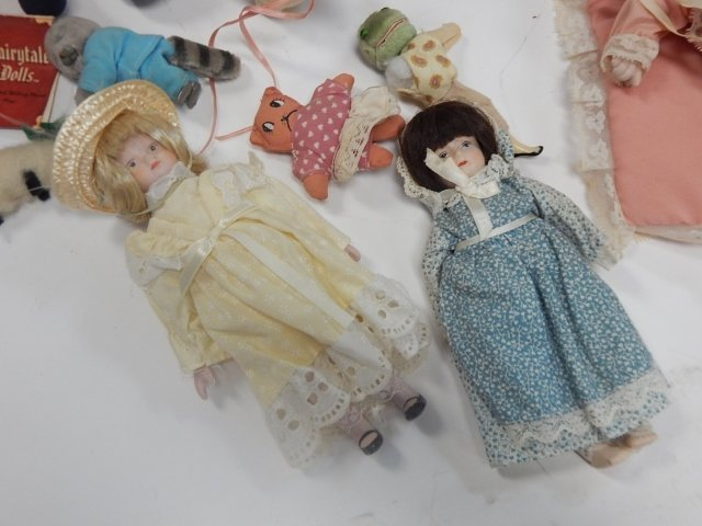 LARGE LOT OF VINTAGE DOLLS AND ANIMALS - 5