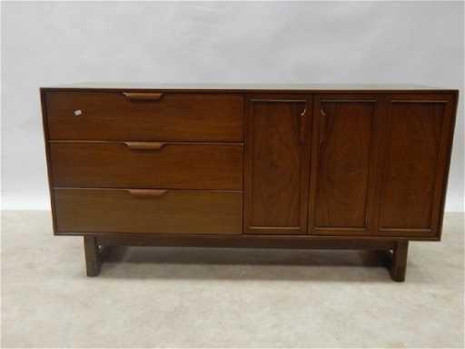 Richardson Brothers Mid Century Dresser See Sold Price