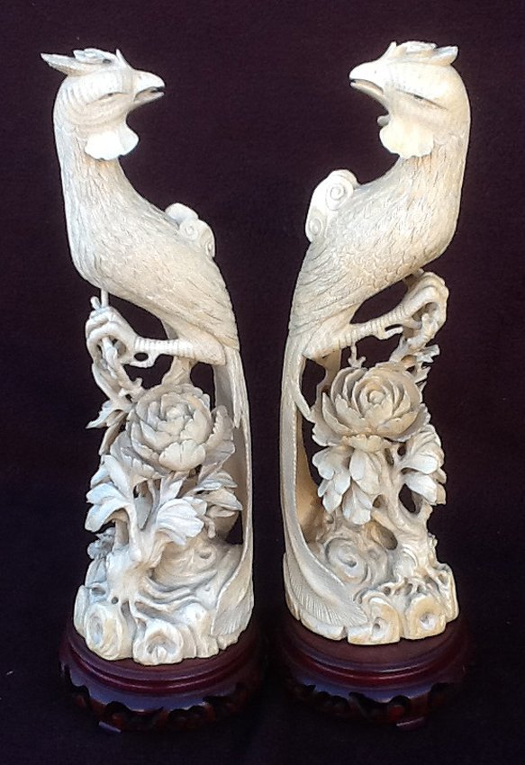 Pair Ivory Phoenix on base