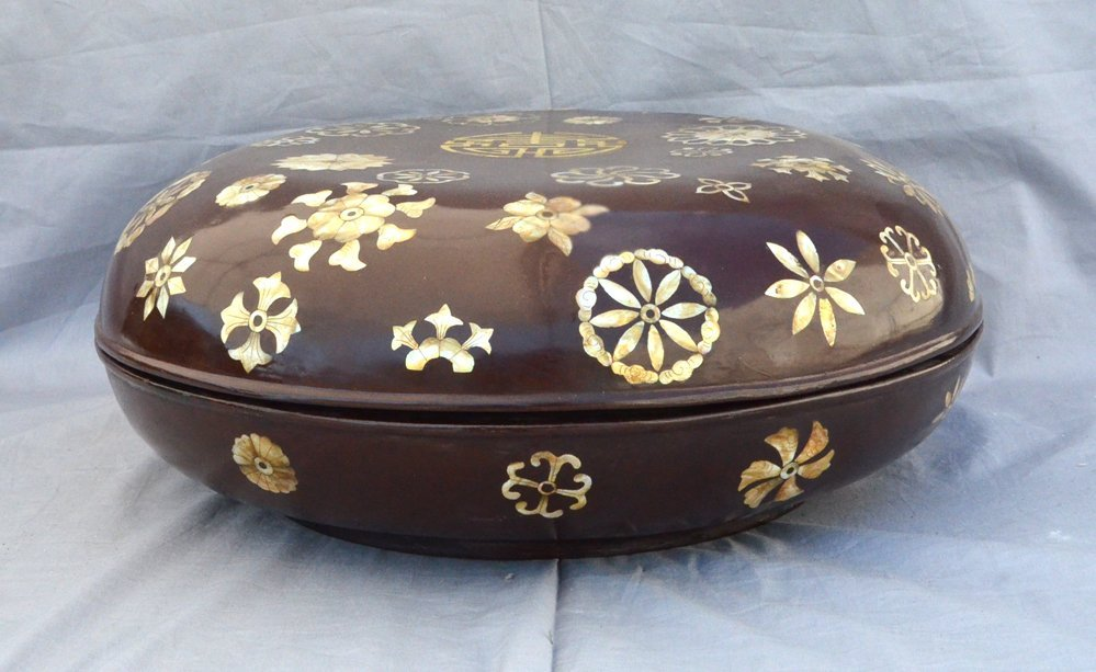 Large Brown Mother-of-inlaid Box