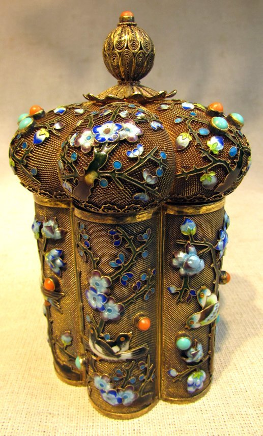 A Chinese Exported Filigree Crown Box