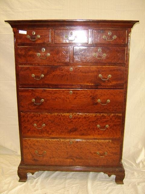 17: CHIPPENDALE 18TH CENTURY  CHEST OF DRAWERS