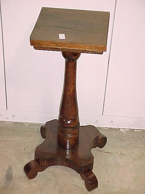 2202: Oak small pedestal Cond Refinished  H 2