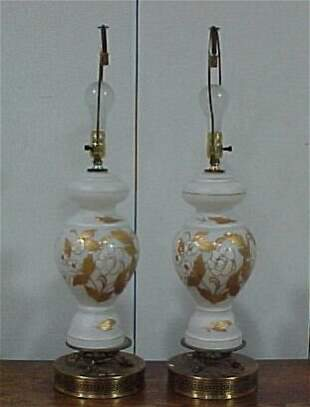 Pair of Lamps with Gold Accents Cond: g