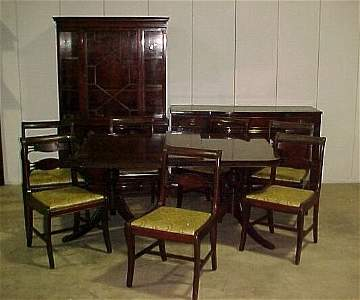 2287: 10 Pc Mah Duncan-Phyfe dining room suit