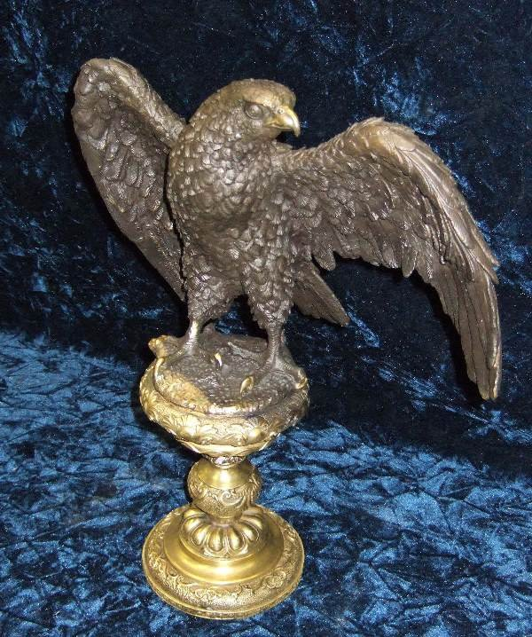 1011: BRONZE EAGLE ON PEDESTAL
