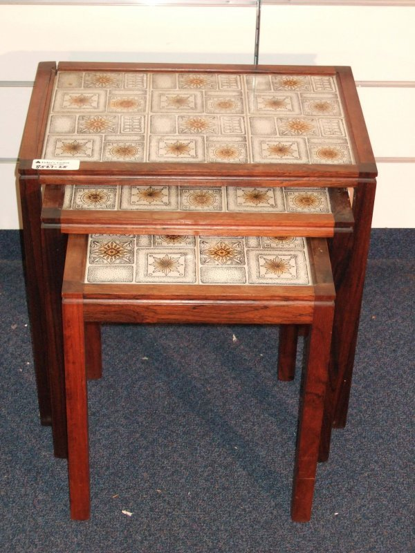 16: MODERN ROSEWOOD STACK TABLES WITH TILE TOPS