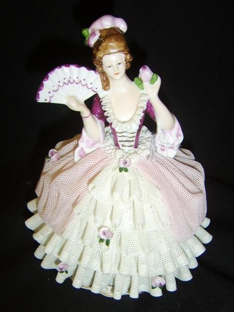 1106: DRESDEN-LACE BALL GOWN FIGURE