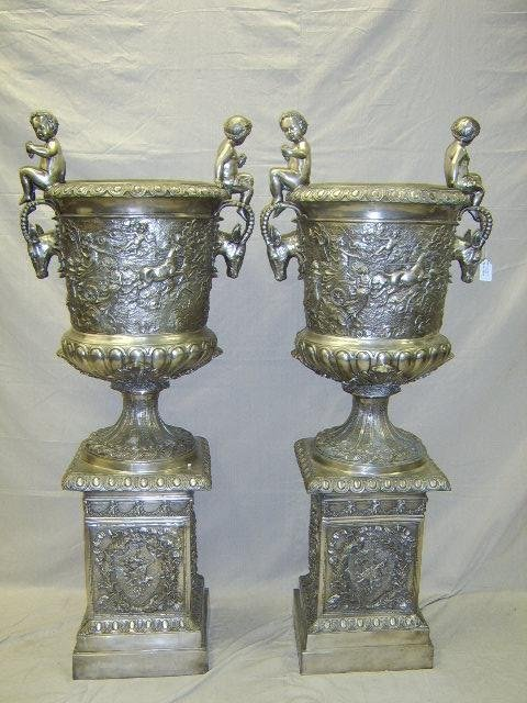 1575: PAIR OF LARGE GRECIAN STYLE SILVER BRONZE URNS