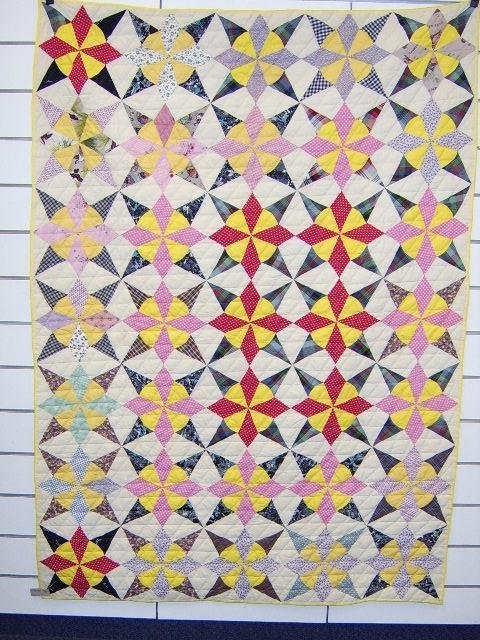 401: QUILT-8 POINT STAR FEED SACK 1930'S
