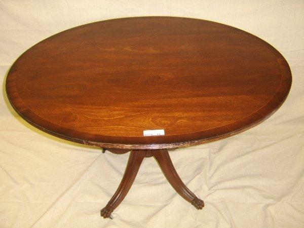 418: ENGLISH STYLE MAHOGANY OVAL TILT TOP TABLE