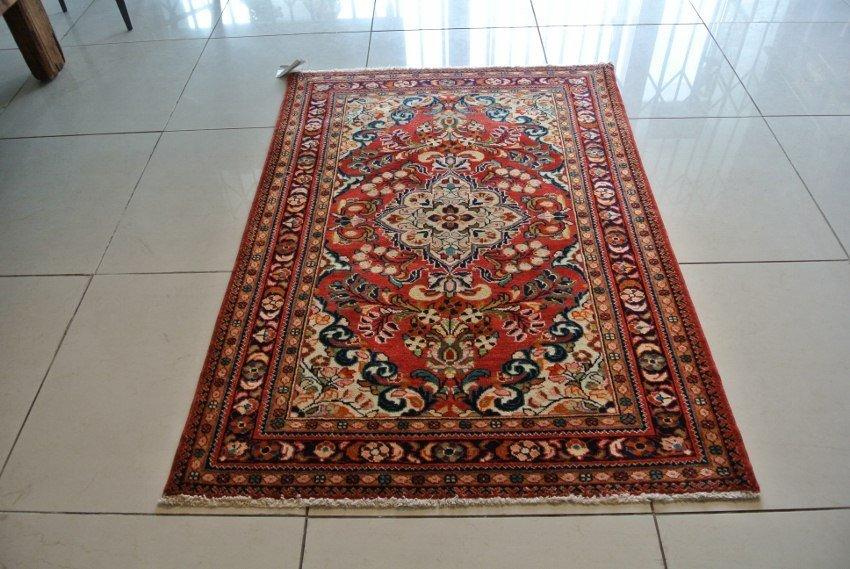 Saroogh rug Antique Persian area rug
