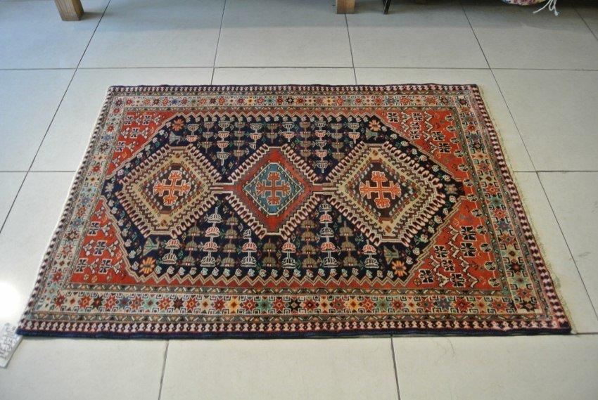 Shiraz rug Persian tribal carpet Kemshe confederacy