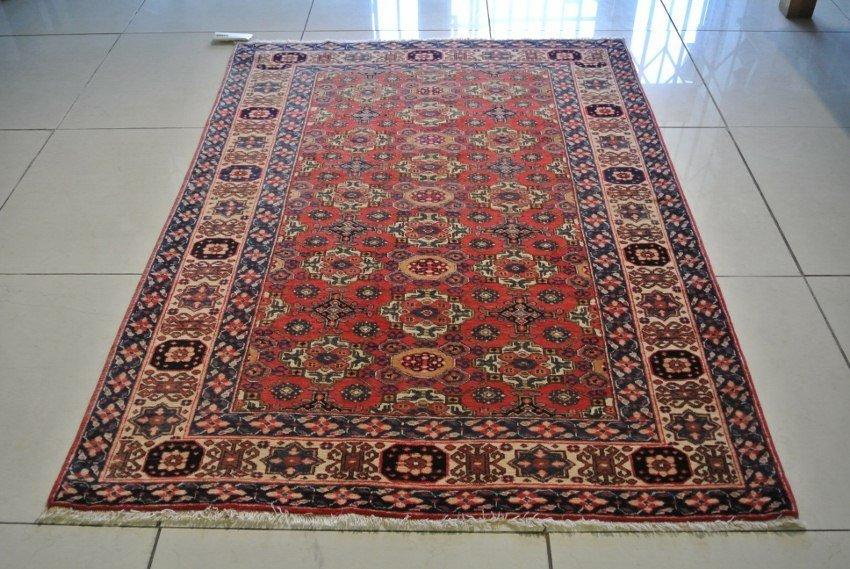 Chi Chi rug Russian Azerbaijan hand made Antique