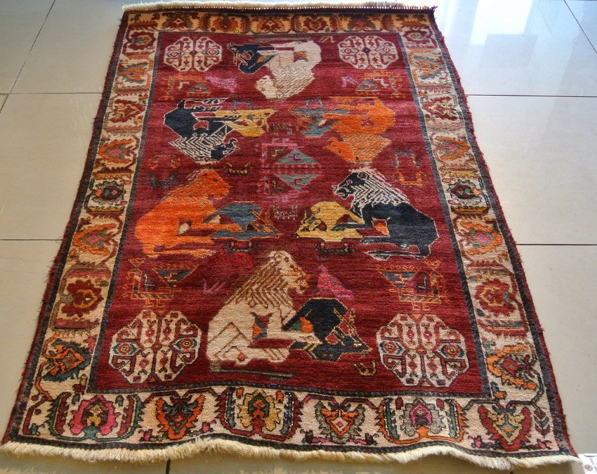 Persian rug Gabbeh pictorian design of Hunting seen