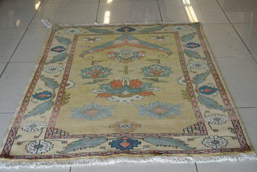 Persian Prayer rug  Rare Heriz hand made in Persia