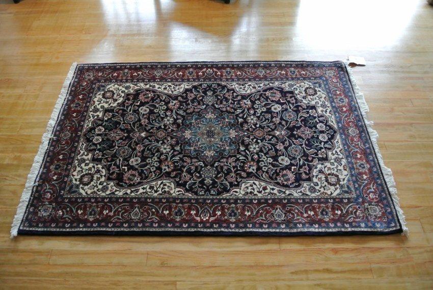 Hnad made Persian rug Saroogh