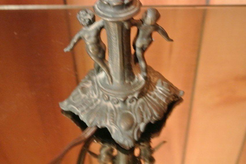 Tiffa- mini table lamp made by L&L WMC