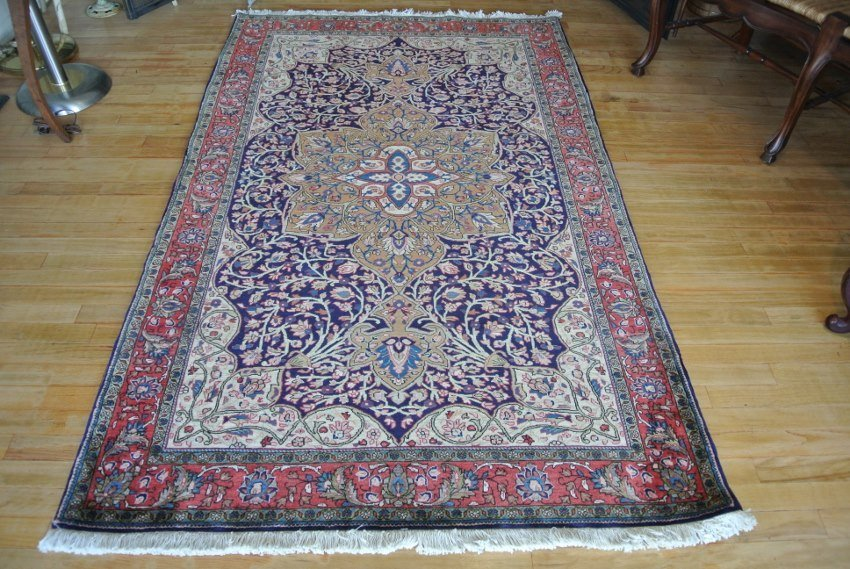 Persian carpet Saroogh