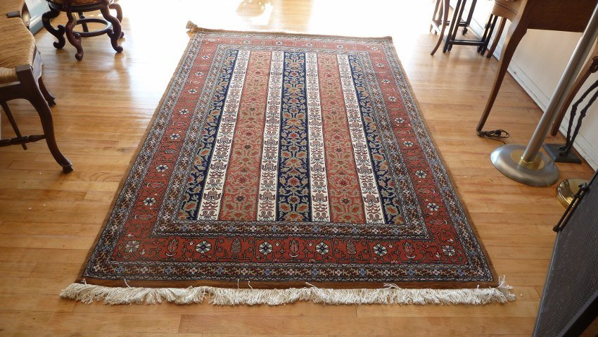 Persian carpet wool and silk Qum Moharamat