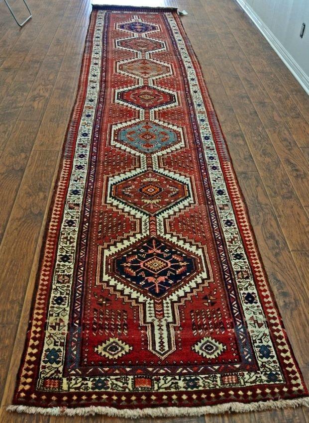 Persian rug runner Herize Multimedallion wool on wool