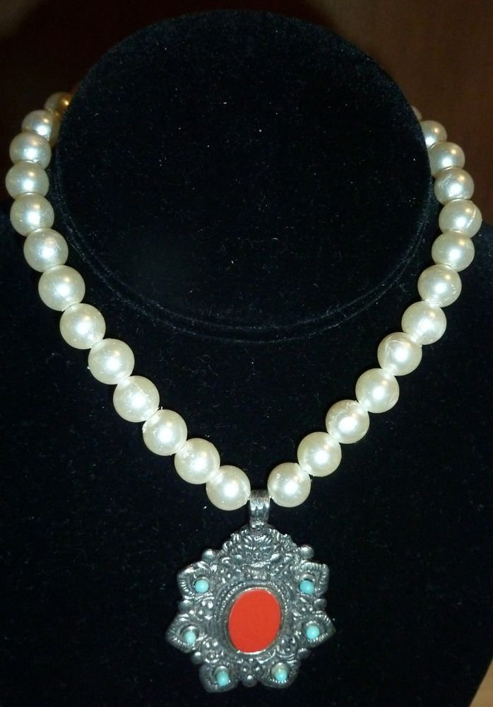 Fresh water pearl choker with Asian medallion