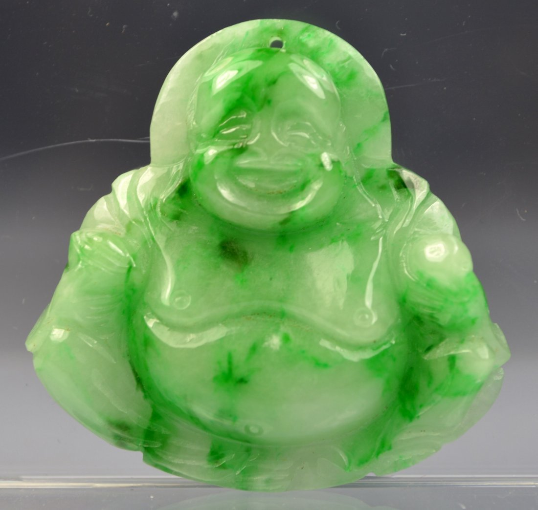 CHINESE GREEN JADE CARVED BUDDHA AMULET