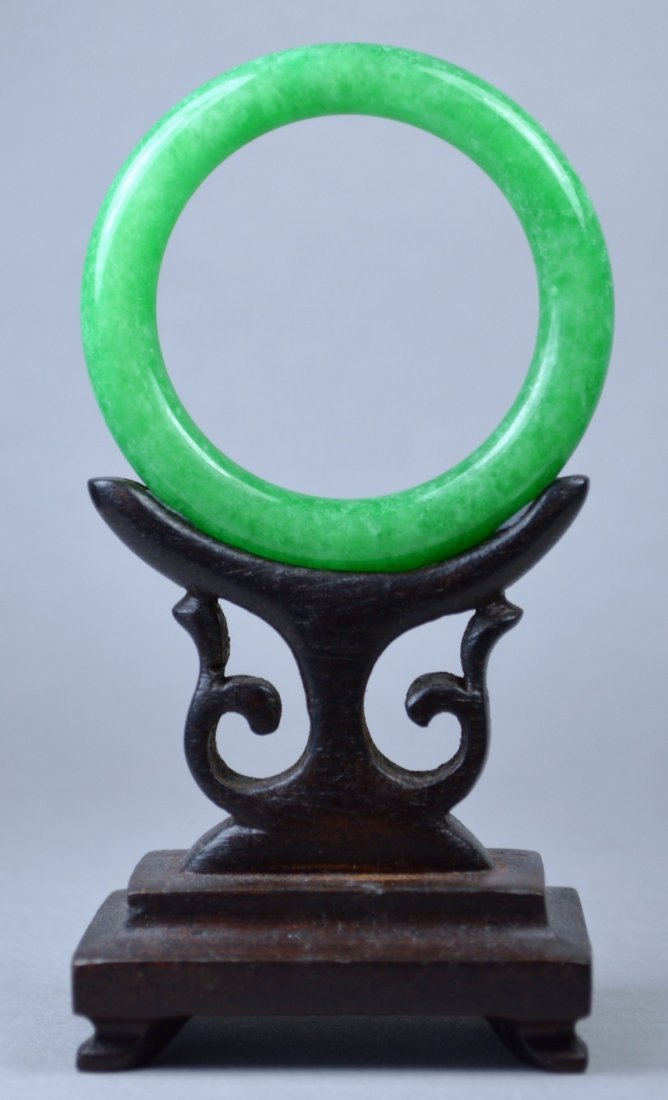 CHINESE SMALL GR A APPLE GREEN JADE BANGLE
