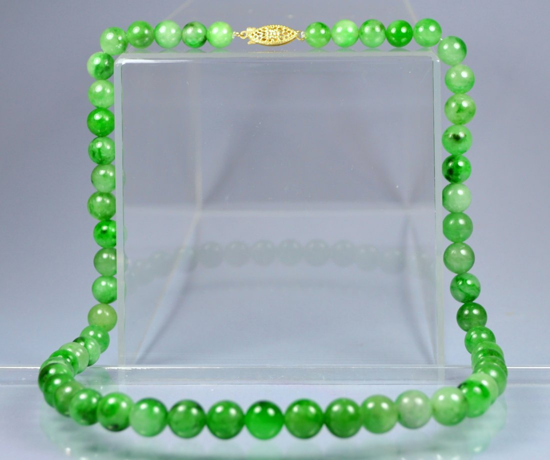 CHINESE TOP GRADE A GREEN JADE BEAD NECKLACE 14 KT