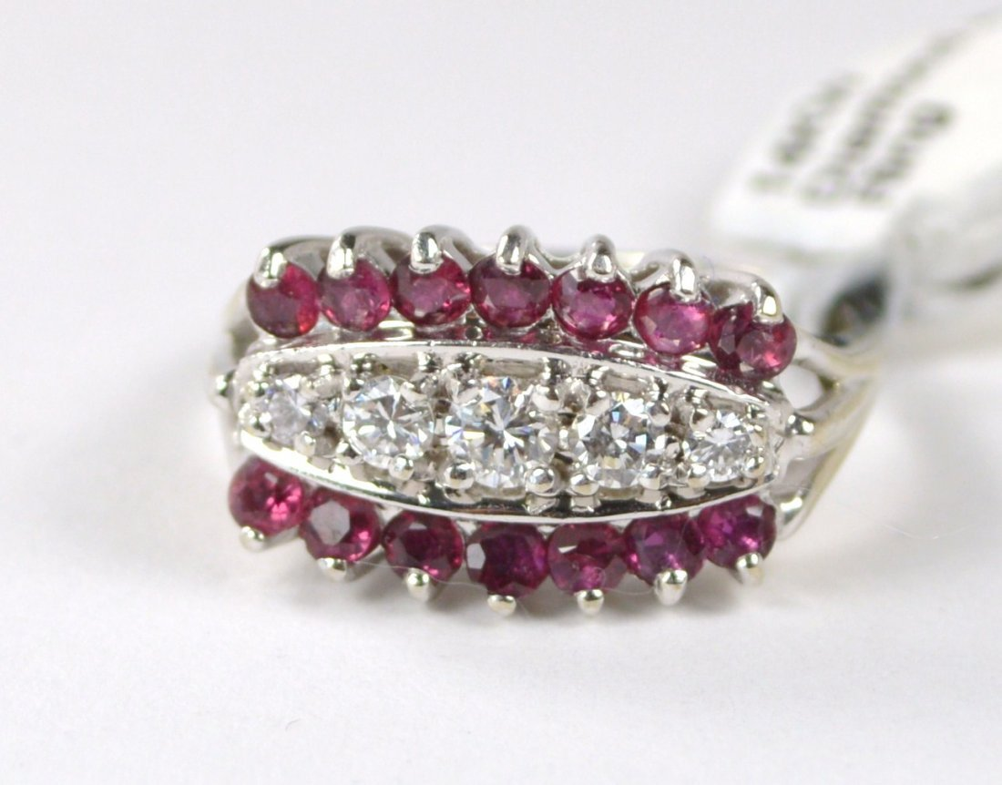 RING 14 KT GOLD WITH DIAMONDS AND RUBIES