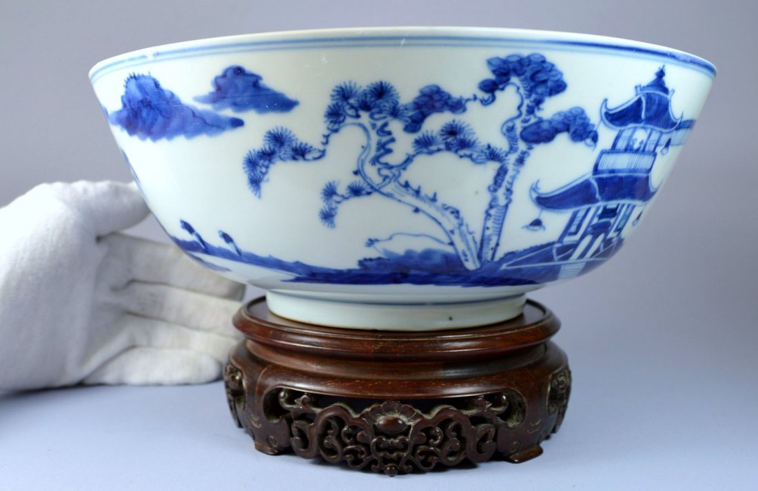 CHINESE VERY LARGE NANKING STYLE PORC PUNCH BOWL 1840'S