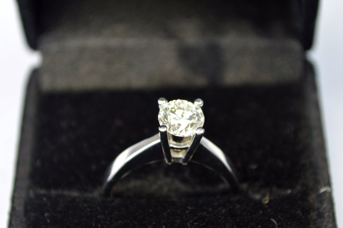 1 CT DIAMOND AND 18KT GOLD SOLITAIRE RING NEW