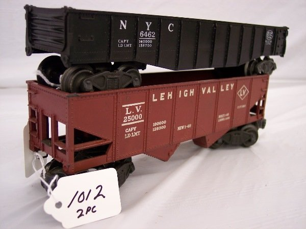 1012: Lionel 6462 Gondola and 6456 hopper