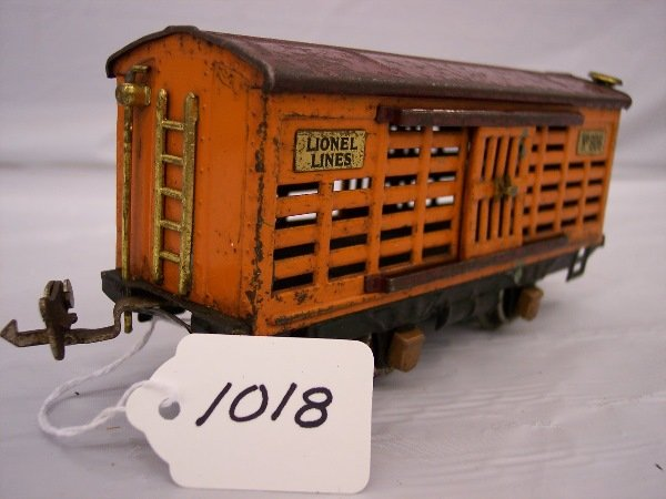 1018: Lionel 806 Prewar cattle car