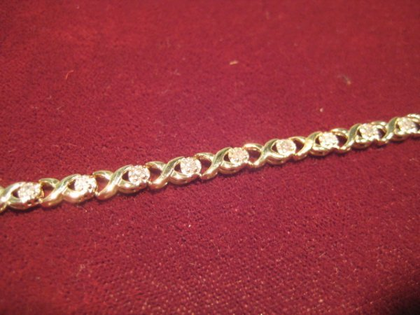 12: Ladies Tennis Bracelet
