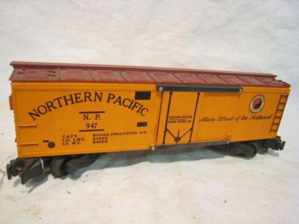 2321: #947 Northern Pacific Reefer