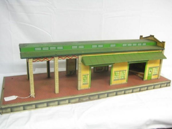 4002: Large Freight Station