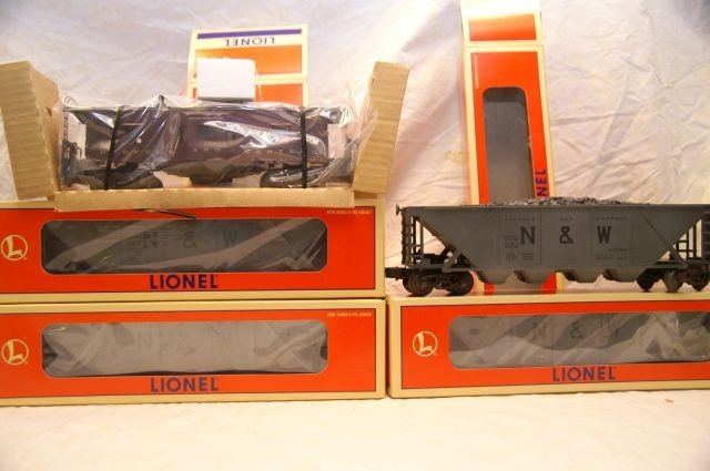 1089: RS Lionel N and W warehouse set