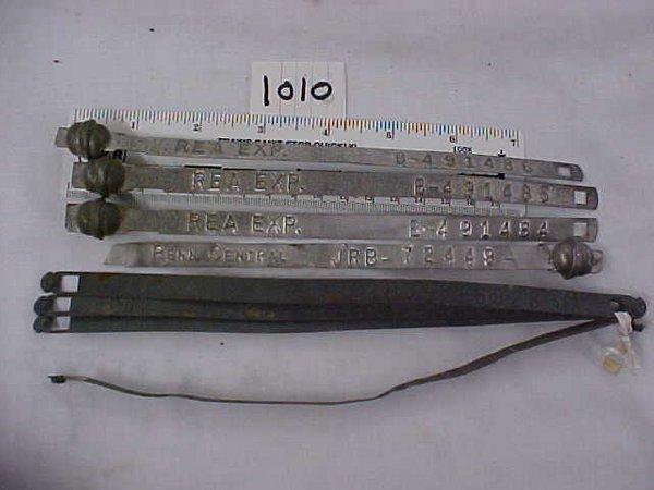 2010: 8-Railroad Seal Straps